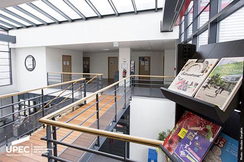 Photo de l'intérieur de la Maison des étudiants de l'UPEC